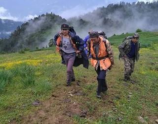 香格里拉市上江林场开展森林巡护工作